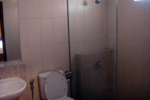 Bathroom in Jambuluwuk Batu