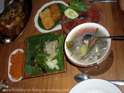 Yummy Javanese food at Inggil restaurant
