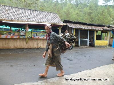 Food stall at Coban Pelangi in Malang