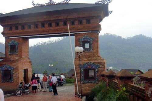 Gate to VVIP villa in Jambuluwuk Batu