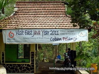 The entrance at Coban Pelangi in Malang