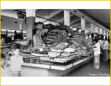 A traditional market in Malang