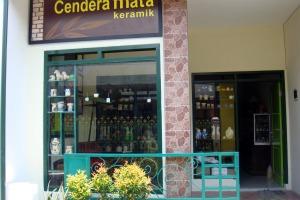 The front side of Mr. Syamsul's ceramic shop