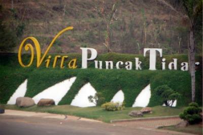 Sign of Villa Puncak Tidar