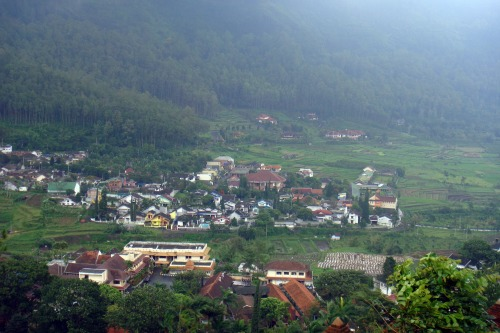 Songgoriti village close to Jambuluwuk Batu