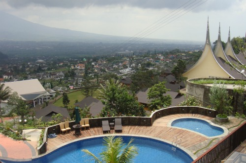 View to swimming pool in Jambuluwuk Batu