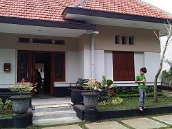 Front side of Merbabu Guest House